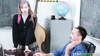 Smutty Dolly Leigh is rubbing her lovebox then screwed