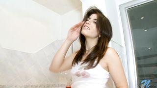 Dazzling brunette Isabel gives dude a oral job stimulation he will never forget