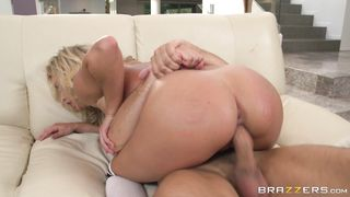 Worshipped Kennedy Leigh fucks and sucks like a pro