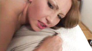 Astonishing brunette exotic diva Chyanne shows her juice pie to a pal