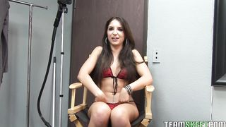 Mischievous brunette Giselle Leon captivates male with her skillful pole riding